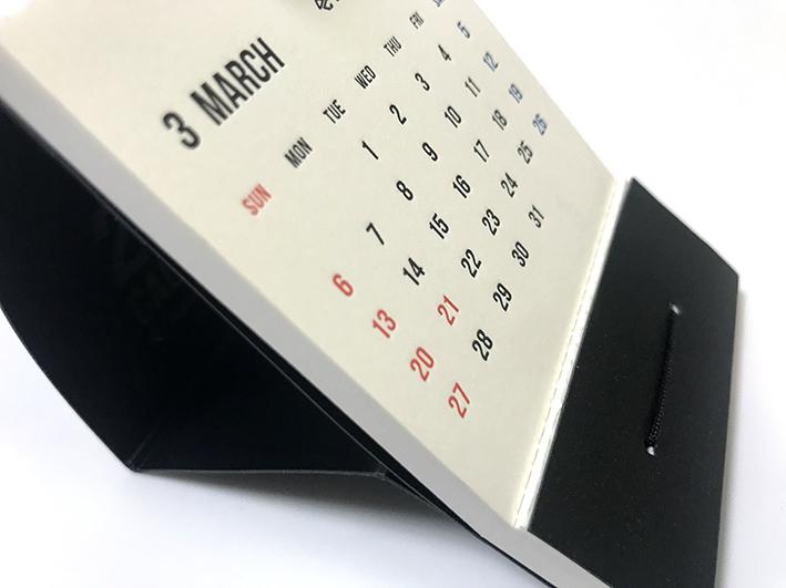 独自方式の卓上カレンダー