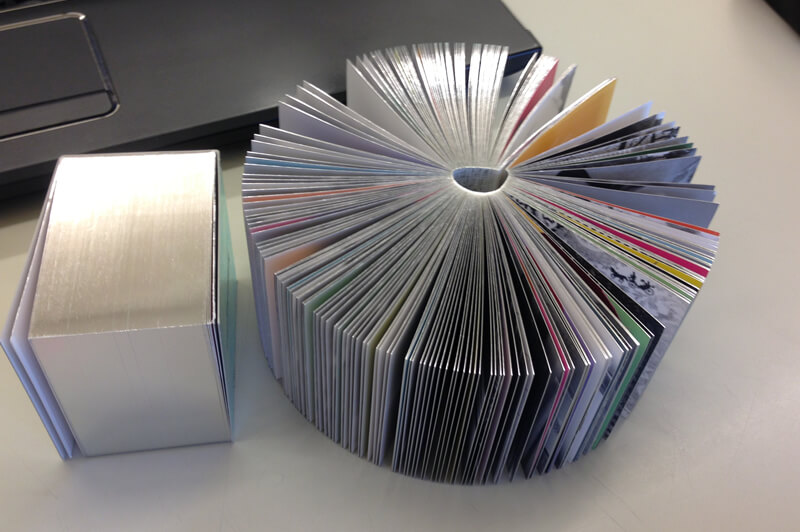 キューブ型冊子